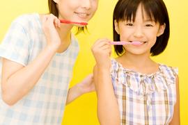 お子さまの歯の健康を守るのは、保護者です