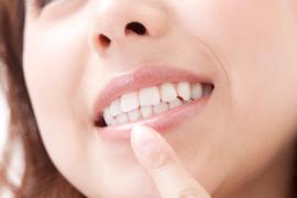 歯周病の原因と症状